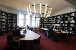 bibliothek-hauptpost41